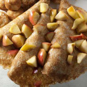 Flensjes met gebakken appel en Walnootolie