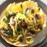 Spaghetti met paddenstoelen, verse oregano, tijm en Walnootolie